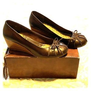 Seychelles Wedge Brown Leather Heels Size: 9